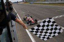 Nürburgring: Maximilian Günther leidt Prema Powerteam dubbel