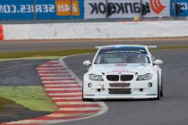 24H Silverstone: RS Connect-SEAT het snelst, maar JR Motorsport-BMW start vanaf de pole-position