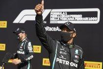 Abu Dhabi: Lewis Hamilton aan de start