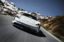 Elektrische Porsche Taycan Turbo S behaalt indoor snelheidsrecord