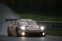 Video: 24H Spa: Het moment waarop de Rowe Racing Porsche problemen kreeg