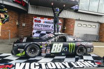 NASCAR GP UK: Alon Day verplettert concurrentie