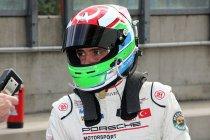 Ayhancan Güven verdedigt titel in Franse Carrera Cup