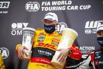 Slovakia Ring: Tom Coronel snelt naar zege, Comtoyou-teamgenoot Magnus tweede