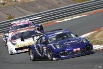 Val de Vienne: Race 1: Dubbel voor Porsche