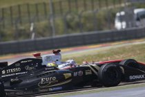 Motorland Aragon: Race 2: Vaxivière snoept de Vries de zege af in laatste ronde