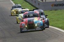 Julien Schein (#2 DRM Motorsport) domineert geslaagde virtuele première