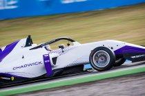 Jamie Chadwick van pole naar zege in eerste race W Series - Visser net naast podium