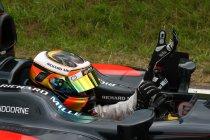 Stoffel Vandoorne wordt test- en reserverijder bij McLaren-Honda F1 team