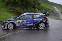 WRC: Ott Tänak pakt winst, Neuville punteloos huiswaarts