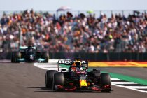Groot-Brittannië: Verstappen wint spannende F1 Sprint