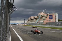 FIA F3: Nürburgring: race 3: Lucas Auer wint – Verstappen derde na inhaalrace
