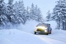Rally: Juho Hänninen bijt spits af, Bottas mooi zesde