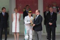 WK-leider Nico Rosberg verlengt contract met Mercedes