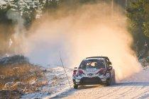 WRC: Evans stoomt door, Neuville blijft steken