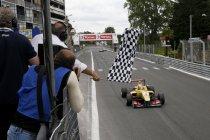FIA F3: Antonio Giovinazzi wint de GP de Pau