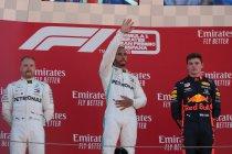 Dominante zege voor Hamilton en Mercedes