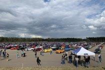 Ford breekt wereldrecord in België: 1.326 Mustang's in Lommel