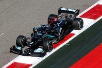 GP Rusland: Hamilton wint na late regenbui