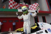 Auto GP: Imola: Kimiya Sato wint overtuigend race 1