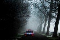 WRC: Over en uit voor Neuville