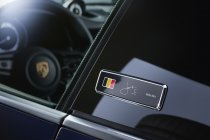 """Zoute GP: Porsche 911 """"Belgian Legend Edition"""" in Jacky Ickx outfit"""