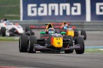 Assen: Neil Verhagen scoort eerste Formula Renault winst