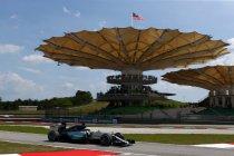 Maleisië: Hamilton zwemt naar pole voor Vettel - Verstappen knap zesde