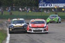 Maasmechelen: Ron Snoeck wint na crash Jochen Coox en Koen Pauwels