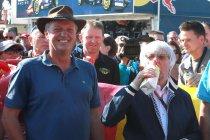 België: Bernie Ecclestone drinkt melk en voorkomt verkeersinfarct