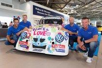 Tom Boonen aan de start van de 25 Hours VW Fun Cup met Anthony Kumpen, Bert Longin & Ruben Van Gucht!