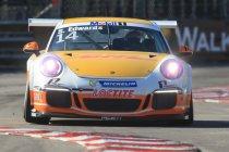 Porsche Mobil 1 Supercup Hongarije: Edwards wint zijn derde race van het seizoen