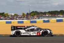 Porsche klopt Toyota in allerlaatste ronde