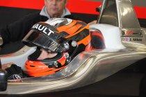 Jack Aitken promoveert naar formule 2