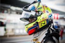 Nico Verdonck als Hyundai-fabrieksrijder op de Nürburgring