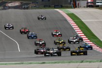 Auto GP: Ex-F1 rijder Narain Karthikeyan is de vedette bij de openingsmanche