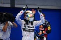 Singapore: Hamilton wint, Rosberg valt uit