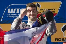 Shanghai: José Maria Lopez wint door massacrash ontsierde race 1 (+ video)