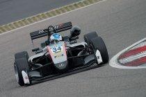 Jake Hughes vervolledigt ART Grand Prix GP3-trio