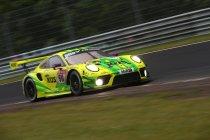 24H Nürburgring: Na 22H: Porsche nu aan de leiding maar alles ligt nog open