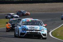 Zolder Superprix: Lorenzo Donniacuo en Meindert van Buuren aan de start in TCR Benelux