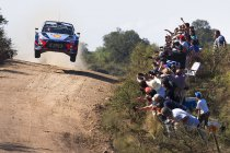 WRC: Neuville als nipte leider naar Zuid-Amerikaans tweeluik