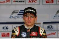 Max Verstappen debuteert in 2015 op 17-jarige leeftijd bij Toro Rosso