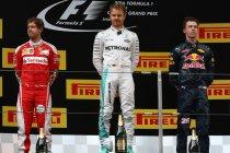 China: Rosberg wint met gemak actievolle wedstrijd