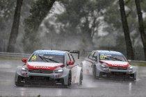 Slovakia Ring: Zondvloed houdt regenmeester Sébastien Loeb niet van tweede seizoenszege