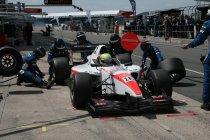 Auto GP: Silverstone: Sato verstevigt leiding in het kampioenschap na overwinning in race 2
