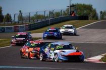 Slovakiaring: Mehdi Bennani leidt nieuwe Hyundai Elantra N naar eerste sprintrace overwinning.