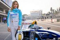 Carmen Jordá maakt kennis met Formule E-bolide (+ video)