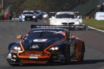 Oulton Park: Aston Martin tweemaal aan het feest