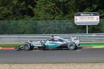 België: VT2: Rosberg snelste ondanks bandexplosie in Blanchimont